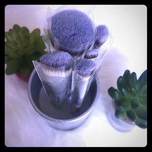 🆕It cosmetics 6 piece brush set